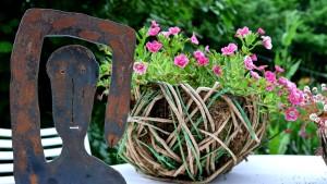 Schmückende Details sind der I-Punkt im schicken Garten.
